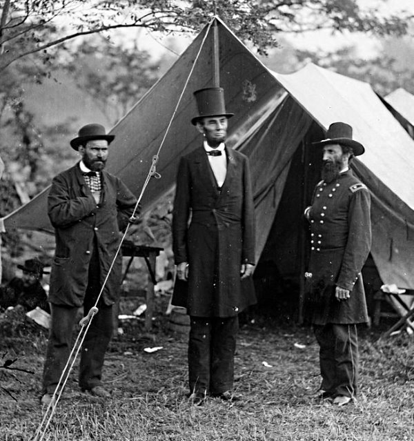 Lincoln, Pinkerton, and McClernand at Antietam