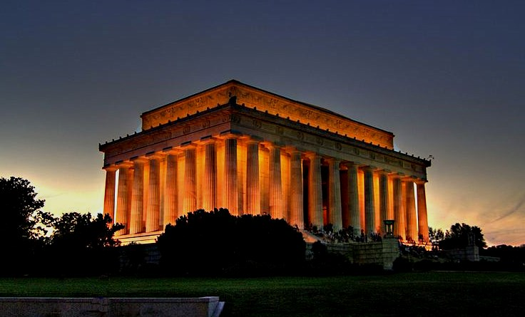 Lincoln Memorial (Courtesy: Erich Robert Joli Weber)